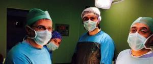 Türkiye'de yapıldı, dünya literatüründe tarihe geçti! Türkiye'deki ilk ameliyat, dünya literatüründe de ilk uygulama olarak tarihe geçti. http://www.haberturk.com/saglik/haber/1044098-sakarya-egitim-ve-arastirma-hastanesinde-tip-literaturune-girecek-bir-ameliyat-gerceklestirildi