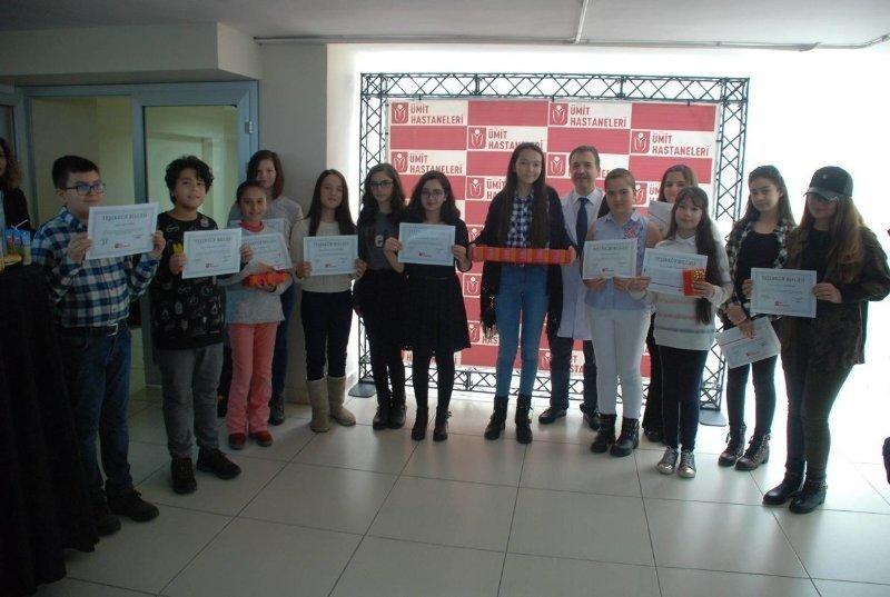 Ümit Hastanesi'nde resim yarışmasına katılanlara ödülleri verildi