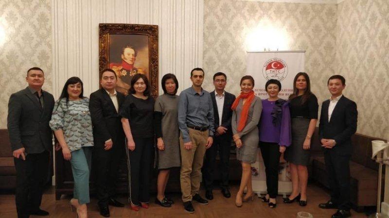 Kazakistan'ın aşkenti Astana'da ücretsiz muayene, Ameliyat ve Master Class seminerleri