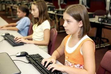 Çocuklarda ve Gençlerde İnternet Kullanımı