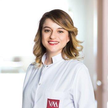 Elif Köşeli, MD